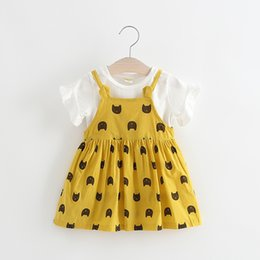 Tenue coréenne mignonne en Ligne-Jolies filles Cat Print jarretelles robes tenues 2017 été nouveaux enfants Boutique Vêtements coréenne petites filles Tee Top + robes 2 PC Set
