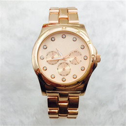 Wholesale Gold Inlay Jewelry - Fashion casual Rhinestones Diamond inlay scale dial Quartz Watches women luxury Quartz Watches stainless steel Watches wholesale