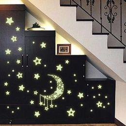 2019 gli adesivi da parete pvc scintillano scuri Stelle luminose luminose stelle Adesivi fluorescenti 3D da parete Adesivi per camerette per bambini Glow In The Dark Star per la casa Decalcomania da muro gli adesivi da parete pvc scintillano scuri economici