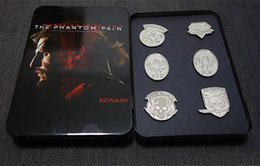 Wholesale Pc Metal Gear - 6 Pcs Game MGS 5 Metal Gear Solid V The Phantom Pain Metal Badges Brooches Set with Iron Box Collectibles