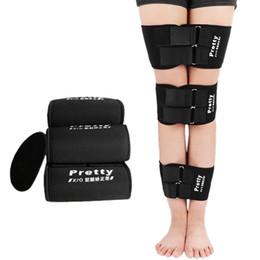 Correzione gamba online-Gambe a forma di X regolabili in nero tipo X Correttore Gambe a nastro di correzione gambe correttive S M L 3 pezzi / set Correttore di supporto corpo nuovo per gambe 0613044