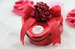 Wholesale Gold Wedding Favour Boxes - Fashion wedding candy box horses mouth heart-shaped tin box flowers candy box cylindrical wedding gifts in favour of gold holders