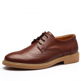 Wholesale New Style Shoes For Mens - Men Brogue Shoes 2016 Spring autumn New Fashion Mens Flats Round Toe Cow Split Retro Style Casual Shoes For Man Leather