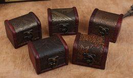 Fiori di legno fatti a mano online-scatola di immagazzinaggio dell'organizzatore del contenitore di monili dell'annata di trasporto libero 100pcs Mini contenitore di metallo del modello del fiore del metallo fatto a mano piccole scatole di legno