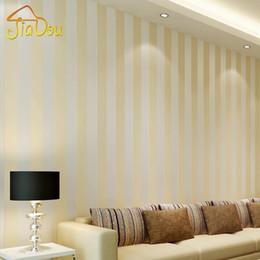Wholesale Silver Wallpaper Wholesale - Modern Style Glitter Silver Stripe Non-Woven Wallpaper Wall Covering Living Room Bedroom Wall Decor Papel De Parede Beige White