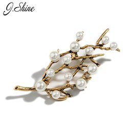 Wholesale Antique Brooch Pearls - Wholesale- New Antique Simulated Pearls Jewelry Branch Brooches for Women 2017 Fashion Vintage Jewelry Accessories Christmas New Year Gifts
