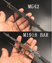 Wholesale Plastic Army Toys - WW II German's MG42 Light Machine Gun Model VS US Army M1918 BAR All Plastic 1:6 Gun Toy Model For Military Fans