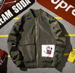 Giacca militare verde stile militare online-Bomber Men Fashion Flight Jacket Coppie Nero Army Green Abbigliamento da baseball Zipper Outwear stile militare giacca kanye west