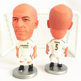 Wholesale 17 Cm - Miniverse 2016-17 Season Club Player Souvenir Dolls Real M 5 Zinedine zidane Football Dolls 6.5 cm Height Resin White Kit Mini Toy