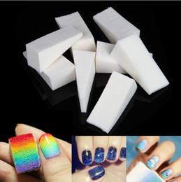 Dipinti di arte del chiodo online-8Pcs / Set Triangolo Nail Art Polacco Gradiente Colore Stamping Dipinti Disegno Spugna Image Transfer Manicure Kit