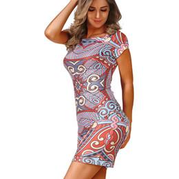 Déesse robes décontractées en Ligne-Gros-Déesse Mode Été Femmes Clohing Sexy Crayon Robe Imprimer À Manches Courtes O-Neck Sheath Dress bodycon Club Mini Casual Dress