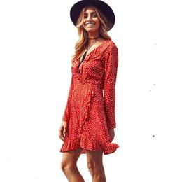 Mini vestido chiffon polka dots on-line-2017 Magro Polka dot Impressão Sexy Verão Vestido de Praia Irregular Arco Envoltório Curto Vestido Mulheres V Neck Mangas Compridas Vestidos de Chiffon FS1691