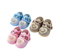"Wholesale Baby Step Shoes - 2017 Spring Newborn Toddler Baby Shoes Cloth Bottom Anti Slip Baby Boost 0-1 Years Old Step Sneaker Heart ""I Love You"""