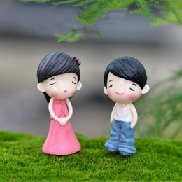 Wholesale Sweet Garden Girl - 2pc Sweet Boys Girls Couple Mini Micro Landscape Resin Home Garden Decoration accessories DIY Ornaments