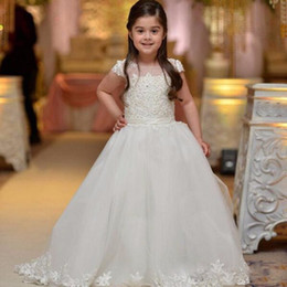 Wholesale Bridal Gowns For Kids - 2017 Elegant Lace Appliques Real Bridal Flower Girl Dresses For Wedding Kids Pageant Gowns First Communion Dresses For Girls Custom Made