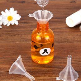 Wholesale Plastic Perfume Funnel - Plastic Mini Small Funnels Liquid filling tools Perfume Liquid Essential oil filling empty bottle Packing Tools