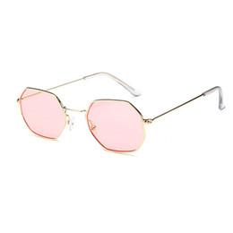 Óculos de sol de festa de design on-line-Boa Qualidade Moda polígono De Metal Sunglasse para as mulheres Do Partido Do Curso de Verão Praia vestido Popular Óculos de Sol Da Marca de Design de Óculos Atacado