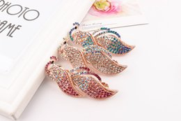Wholesale Little Girls China - Crystal peacock hair clips barrettes little girl lady women lovely likely classic concise present gift clips GLFJ011