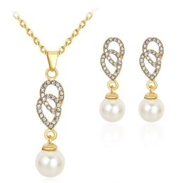 Wholesale Pearl Necklaces For Bridesmaids - 2017 Crystal Pearl Heart Pendants Necklace Earrings Jewelry Sets with Gold Chain for Women Wedding Bridesmaid Jewelry Gift