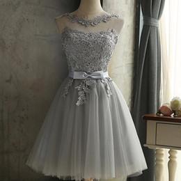 Vente chaude Soeur jupe grise pour montrer mince demoiselles d'honneur robe de soirée robe de soirée robes courtes femmes offre ? partir de fabricateur