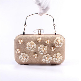 Wholesale Diamond Studded Handbags - 2017 New studded Pearl flower bags finger ring diamond evening bag purse for bridal wedding party handbag evening bag clutches wholesale
