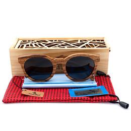 424880b180932 Venda por atacado- BOBO PÁSSARO Novo Polarized Sun Glasses Mulheres Polar Zebra  Óculos De Sol De Madeira Homens Com Caixa De Madeira Oculos De Sol Feminino  ...
