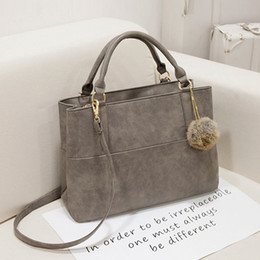 Wholesale Tote Fashion Ladies Hand Bag - Wholesale-Fashion Designer Handbags High Quality Bolsas Shoulder Bag Messenger Large Tote Bag With a Fur Ball Ladies Hand Bags Purse P712