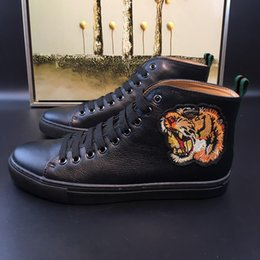 Wholesale Shoes Style Lace Boots - Italy style Men shoes fashion man Cowboy boot Genuine Leather Half Boots flat heel Round Toes Animal Prints model 168950011