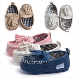 Wholesale Crochet Baby Boy Shoe - Toddler Shoes Baby Tassel Shoes First Walkers Non-slip Prewalker Boys Moccasins Girls Fashion Indoor Shoes Kids Casual First Walkers B3164