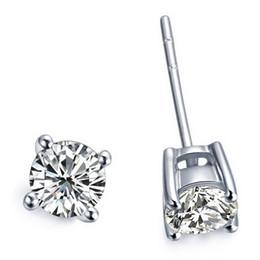 Tachuelas de diamante de platino online-2 quilates / par aretes al por mayor para las mujeres 4 dientes plateado platino compromiso aniversario SONA pendientes de diamantes sintéticos perno