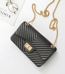 Wholesale Yellow Jelly Bags - wholesale brand fashion summer new candy color woman chain package ling, v-shaped woman single shoulder bag leisure his cute little package