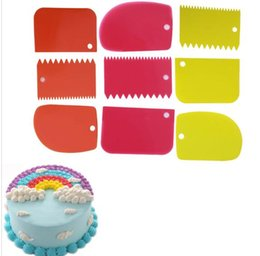 Wholesale Wholesale Pastry Cutters - 3 pcs set Different Shapes Baking Spatulas Cake Serrated Cream Scraper Reusable Cake Decoration Baking Pastry Tool Spatula Cutter KKA1929