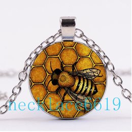 Wholesale bees birthday - 10Pcs Bee Queen Necklace,Pendant,Christmas Gift,birthday Gift,Cabochon Glass Necklace,silver black Fashion Jewelry R-960