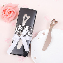 Wholesale Metal Gift Box Suppliers - Heart Shape Handle Butter Knives Silver Plated Metal Cake Spreaders kitchen Suppliers Gift Box Packing Wedding Party Gift Favors