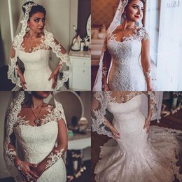 2017 boutons à manches longues manches longues 2017 Romantique Pleine Lace sirène manches longues Robes de Mariée V Neck Illusion Sheer couvert Button Backless Vintage Robes de mariée Applique promotion boutons à manches longues manches longues