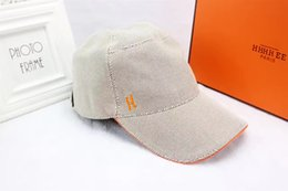 Wholesale Cotton Duck Canvas - High quality canvas summer outdoor sports tourism sun hats men and women designer ball caps European style brand duck tongue cap with box