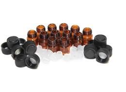 Botellas de aceite esencial envío gratis online-1 ml (1/4 dram) Amber Glass Essential Oil Bottle tubos de muestra de perfume Botella con Enchufe y tapas DHL FEDEX Envío gratis