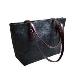 Wholesale Italian Tote Bags - Wholesale- New 2016 Women Pochette Bag Famous Italian Brand Handbags Ladies Leather Shoulder Bags Fashion Female Tote Shoulder Bag Bolsos
