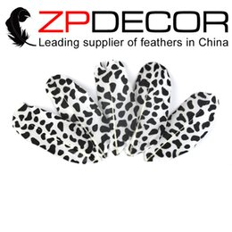 Wholesale Bulk Black Feathers - NEW Arrival! ZPDECOR Goose Feather 10cm(4inch) 50 pieces lot High Quality Printing Black Point Goose Feathers plume Feathers Bulk feather