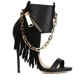 Tacones de aguja nuevas cadenas sexy online-Nuevas cadenas metálicas Sandalias romanas de tacón de aguja con flecos Tacones altos de mujeres Zapatos de boda de fiesta sexy Mujer Botines