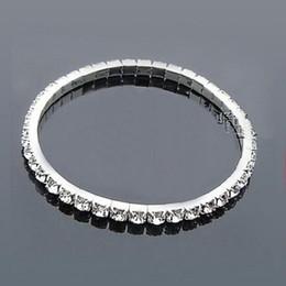 2019 braceletes baratos pulseiras Barato de Prata Banhado Pulseira De Noiva Bling Bling 1 Linha de Strass Acessórios De Noiva Das Mulheres Do Baile de Finalistas Do Partido Do Casamento Da Jóia Do Casamento Stretch Bangle braceletes baratos pulseiras barato