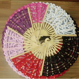 Wholesale Lace Ladies Fan Wholesale - 27cm Handmade Cotton Battenbury Lace Folding Hand Fan for Party Bridal Gift Wedding Decoration Lady 's Embroidery Fans ZA3338