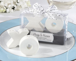 Wholesale Hugs Kisses Salt Shaker - 2pcs set wedding party favor gift and giveaways for guest--Hugs and Kisses XO Ceramic Salt And Pepper Shaker Beach Souvenirs