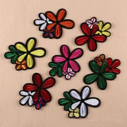 Wholesale Handmade Iron Ornaments - Multicolored Flower Floral Applique Patch Iron Embroidery Sew in Clothing DIY Craft Bags Handmade Ornament Fabric Stickers