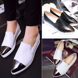 Style européen américain pour les chaussures de femmes vente chaude 2017 printemps automne femme chaussures en cuir Femmes noir blanc couleur plate-forme plate-forme chaussures ? partir de fabricateur