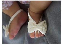 Envelopper les chaussures de bébé en Ligne-Dentelle Baby Foot Foot Wrap Strap Infantile Bébé Filles Pieds Ornements Bowknot Chaussures pour Décoration Photo