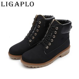 Wholesale Mens Warm Winter Boots - Wholesale-Women Men's Winter Leather Boot Warm Men Outdoor Waterproof Rubber Snow boots Leisure Martin Boots England Retro shoes for mens