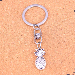 Wholesale Pineapple Antiques - New Fashion pineapple Keychains Vintage Antique Silver plated Keyholder fashion Solid Pendant Keyring gift