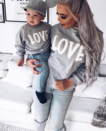 Wholesale Winter Baby Sweatshirt Set - 2017 Autumn Winter Family Matching Sweatshirt Sweaters Mom Mother and Baby Daughter Clothes LOVE Pringing Mama Family Clothing