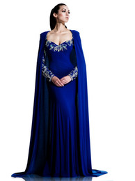 2020 abiti da sposa blu royal Royal Blue Mermaid Dubai Cape Abito da sera 2017 Party Sexy manica lunga Arabia Saudita Abiti da ballo Sweep Train Abiti formali da spettacolo sconti abiti da sposa blu royal